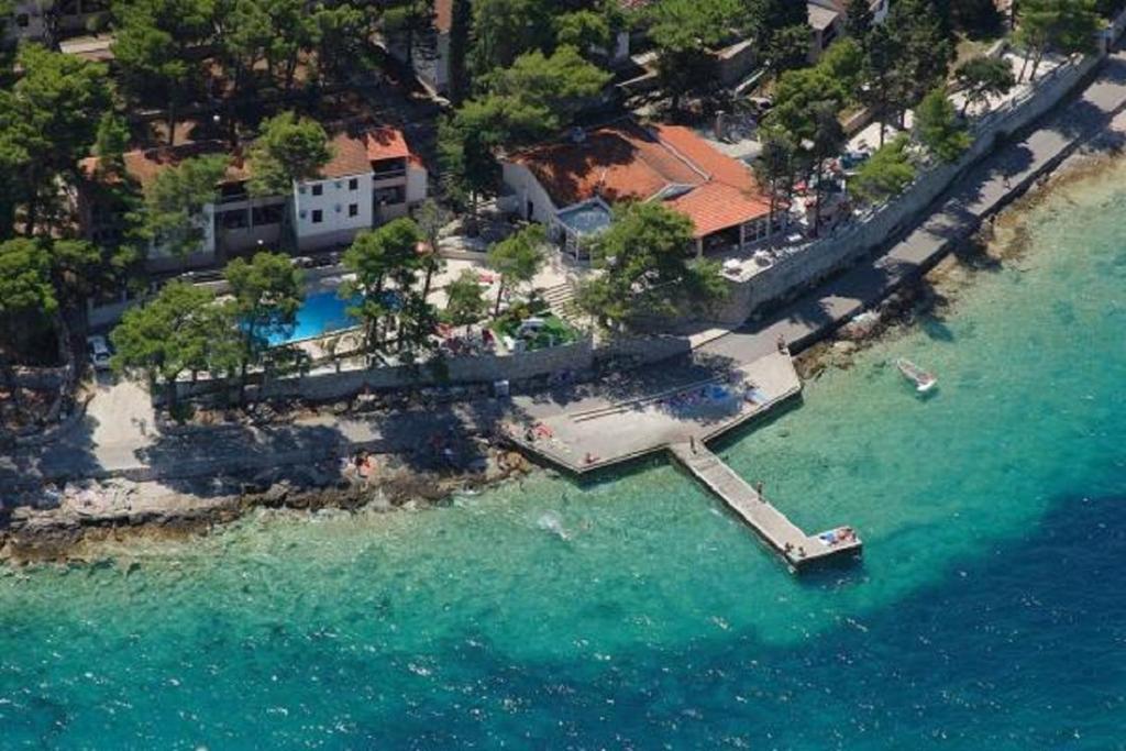 Ptičja perspektiva nastanitve Lumbarda Resort Apartment