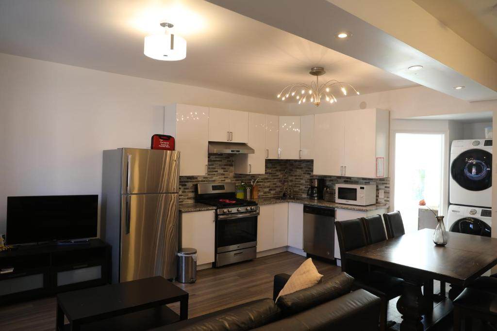Holiday Home Comfortable 3 Bedrooms 2 Bathrooms Renovated