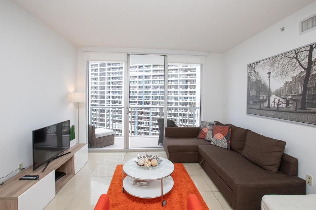 Magnificent Luxury Apartment In Downtown Miami Fl Booking Com Ncnpc Chair Design For Home Ncnpcorg