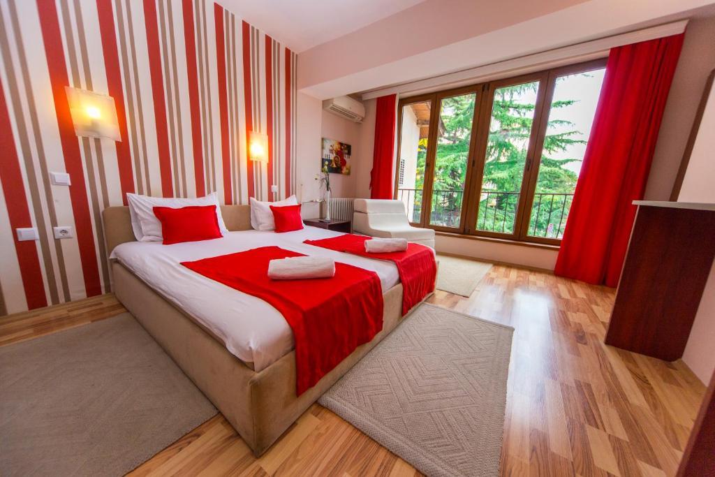 Кровать или кровати в номере Hotel Pine