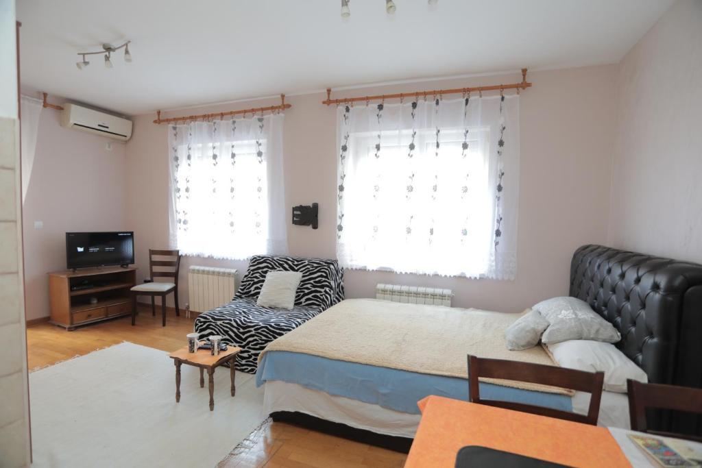 Гостиная зона в Apartments Leon