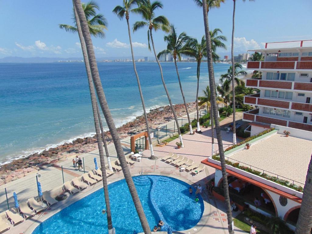 Вид на бассейн в Hotel Rosita или окрестностях