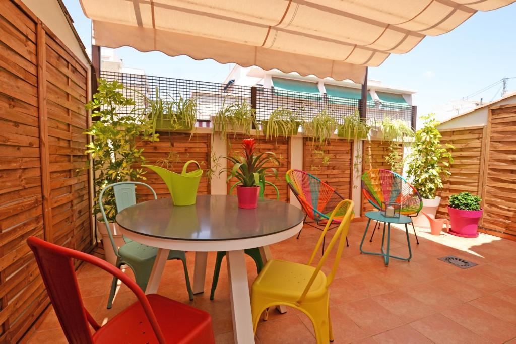 Apartment ático Con Terraza En El Centro De Alicante Spain