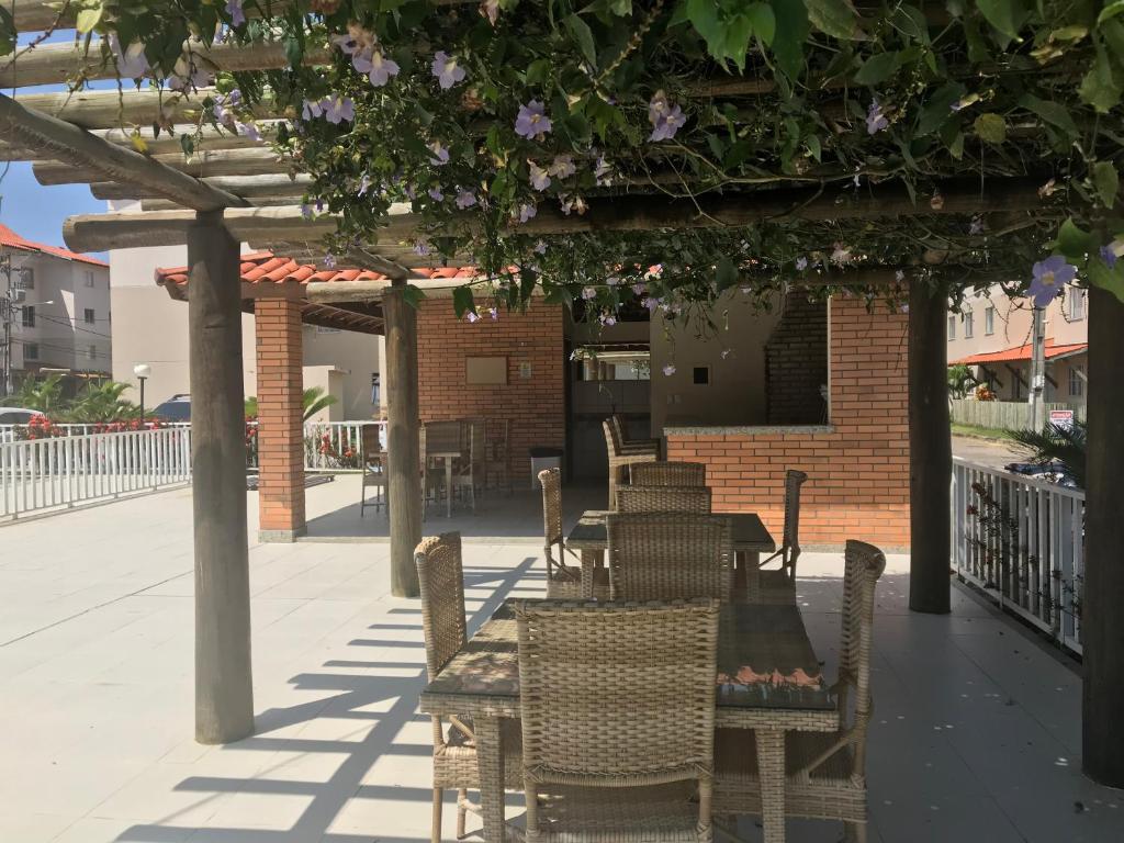 The lounge or bar area at Apartamento Praia Dos Milionários