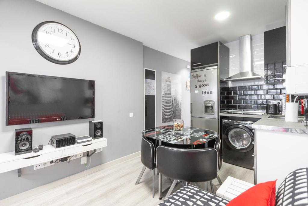 Apartment Rentalis Gran Via Chueca, Madrid, Spain - Booking.com