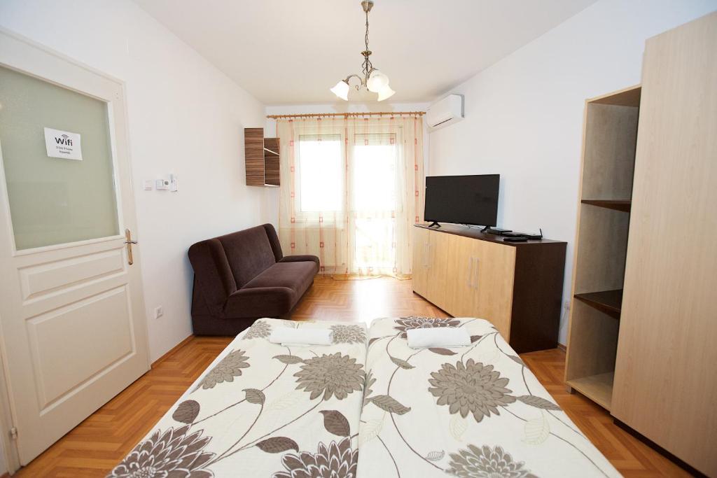Zoli Apartmanok-Peti Kölcsey 34-36