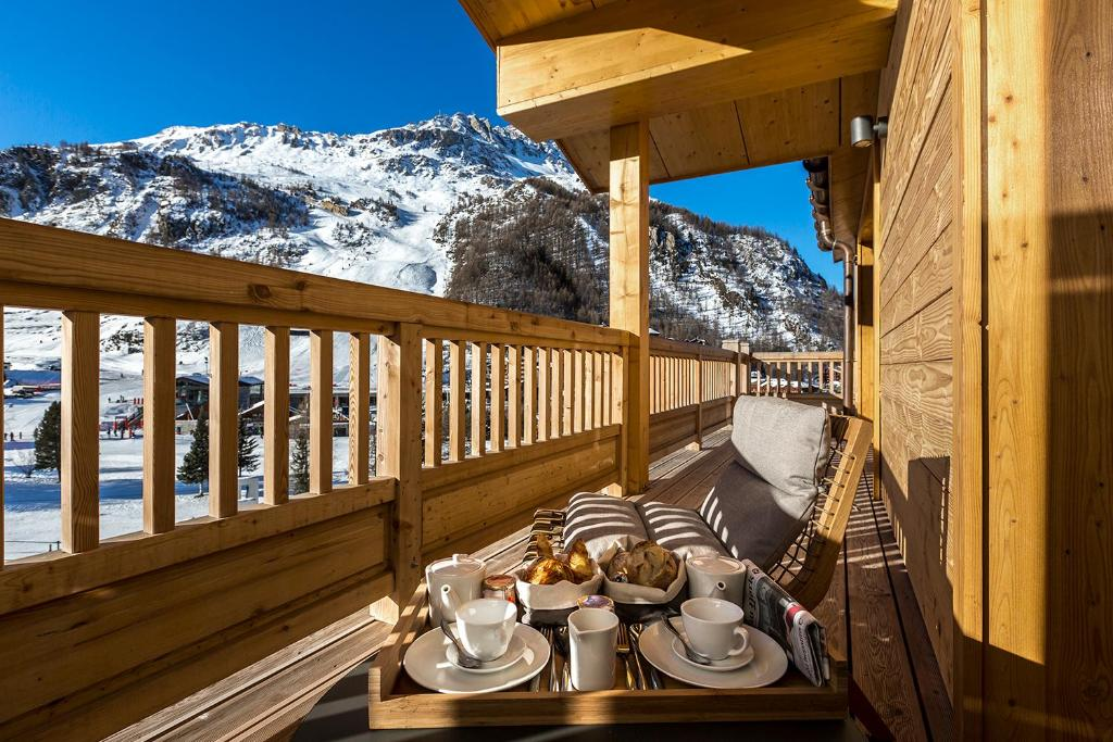 Le Yule Hotel Spa Val D Isere France Booking Com