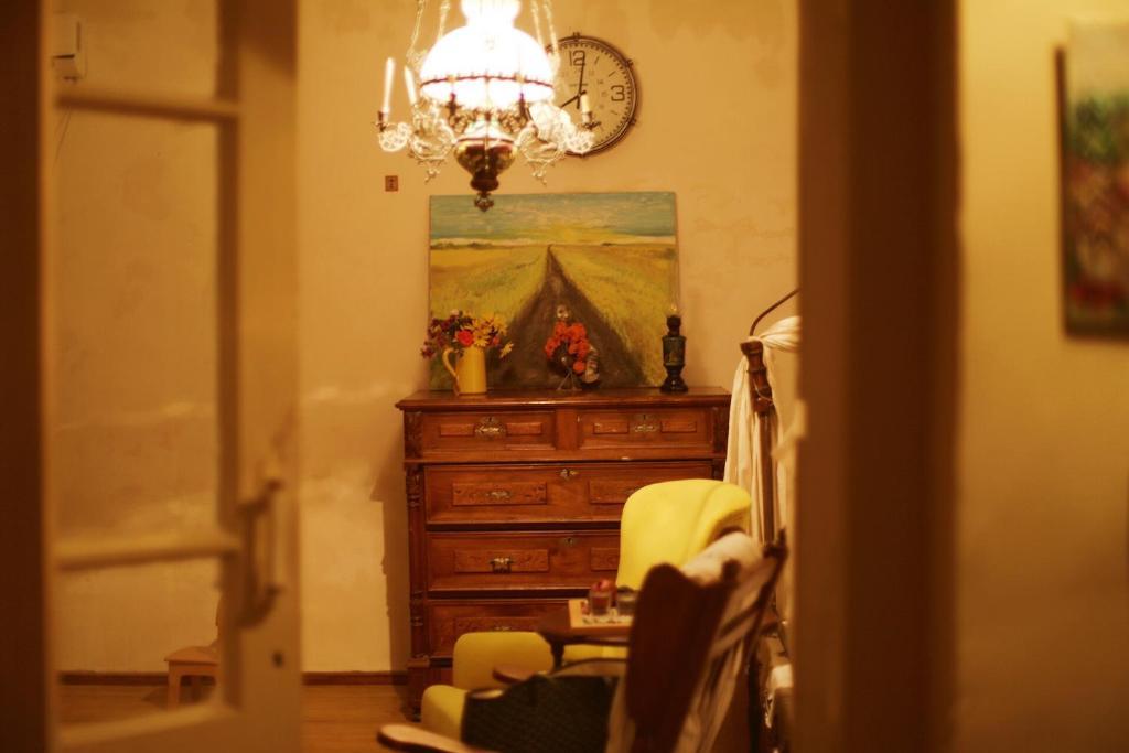 Guest House Art