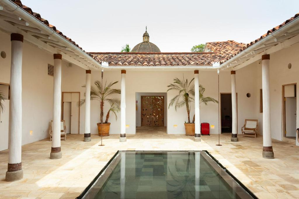 The swimming pool at or near Casa Oniri Hotel Boutique