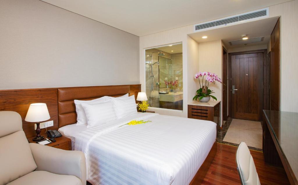 Orchids Saigon Hotel