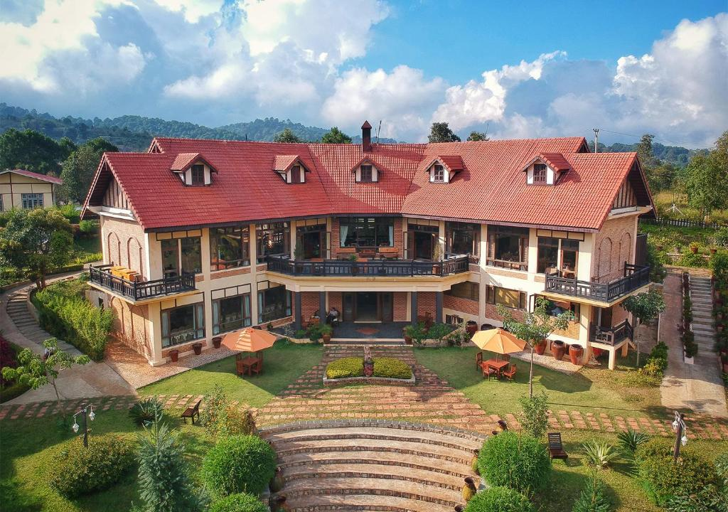 A bird's-eye view of The Hotel - Kalaw Hill Lodge