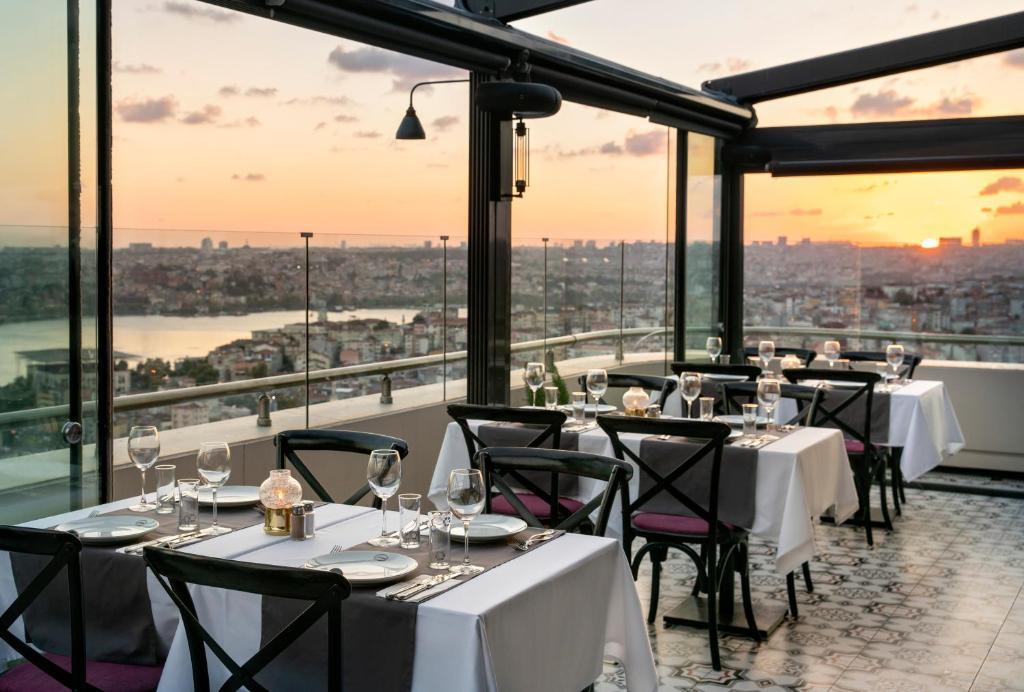 مطعم أو مكان آخر لتناول الطعام في ريكسوز بيرا اسطنبول