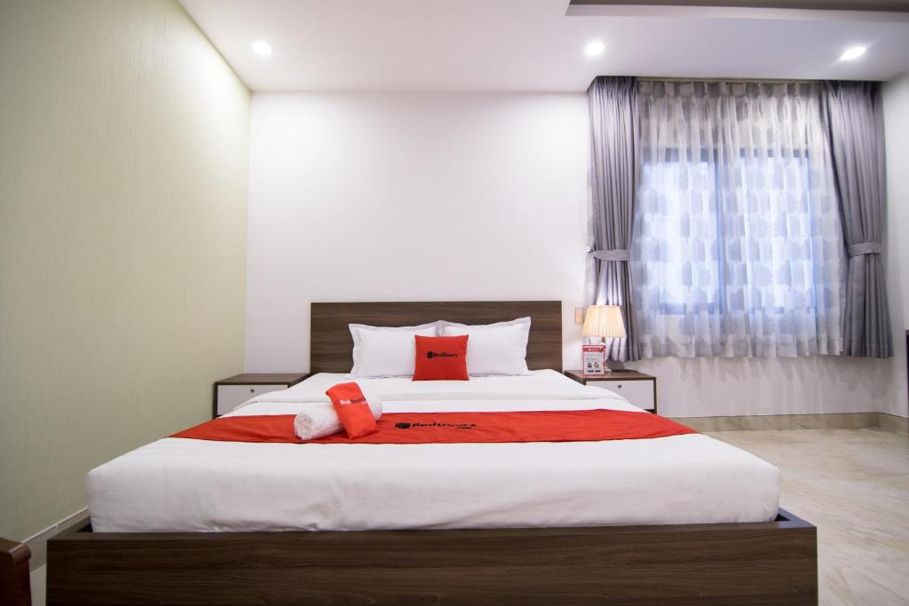 RedDoorz Premium @ Hang Xanh