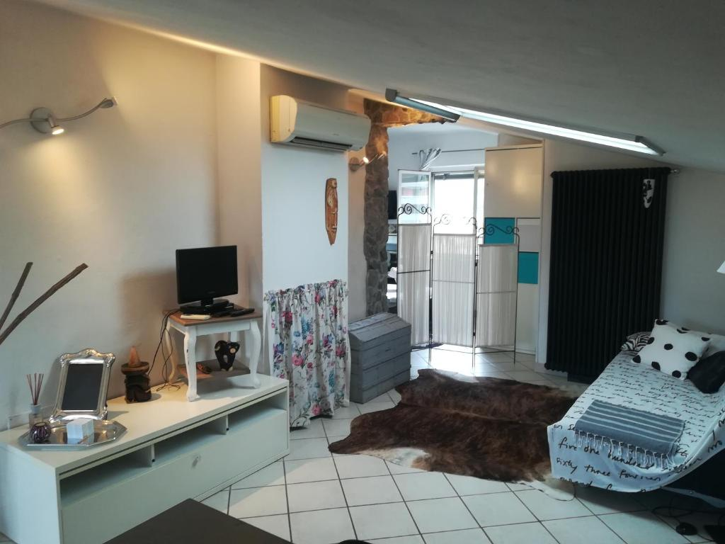 Arredare Monolocale 20 Mq vacation home lalla house, piano di follo, italy - booking