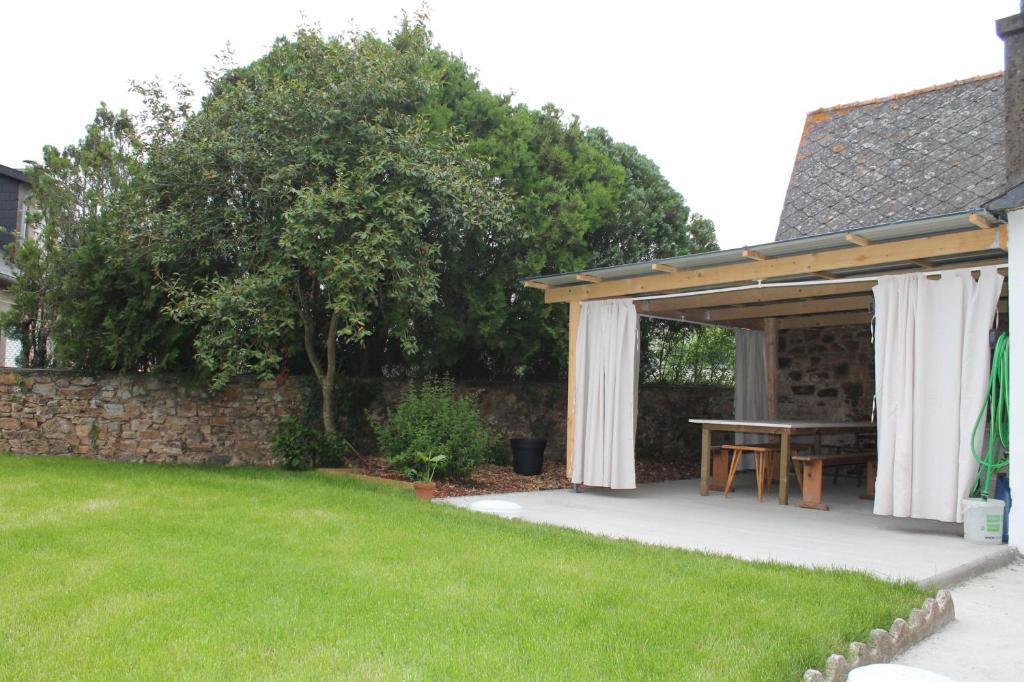 Ferienhaus Maison à 15 minutes de la mer, terrasse couverte ...