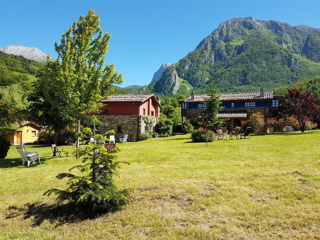 Casas Rurales Valle de Bueida (España Bárzana) - Booking.com
