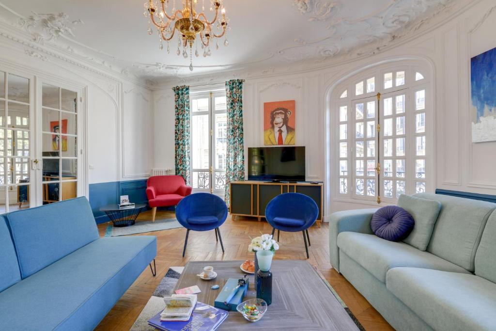 A seating area at Sweet inn Apartments-Monceau