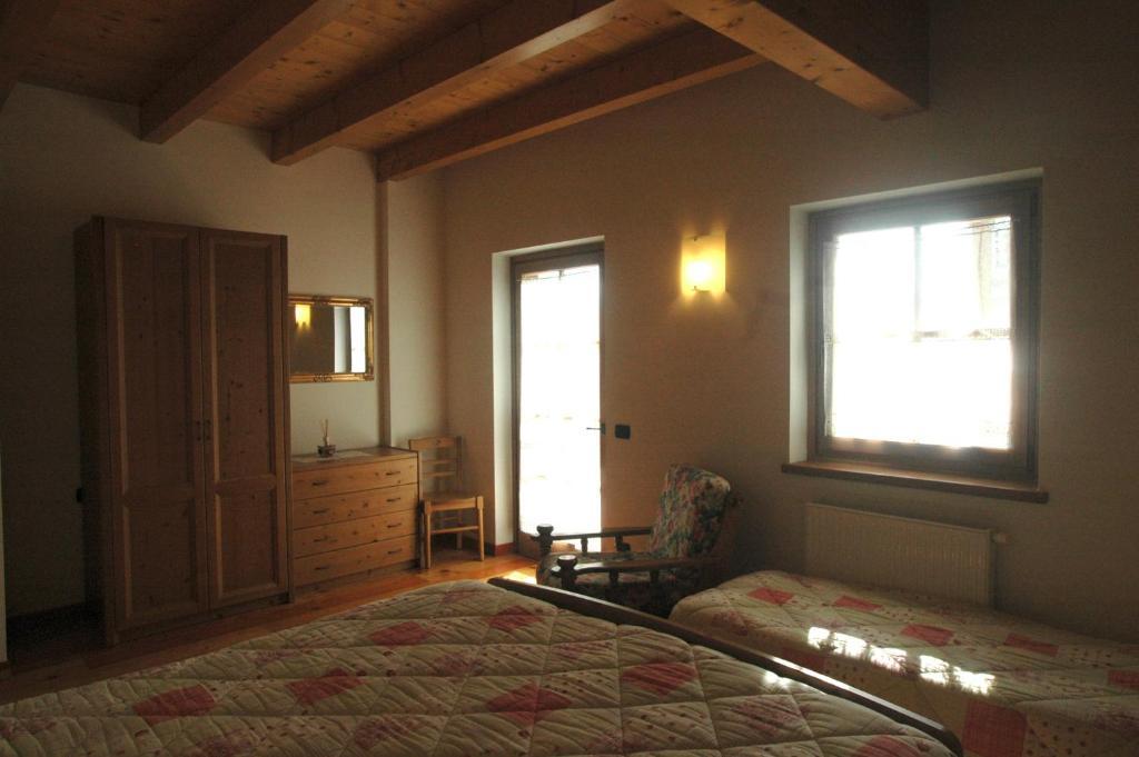 El Lumin Cortina.Appartamenti Al Lumin Val Di Zoldo Italy Booking Com