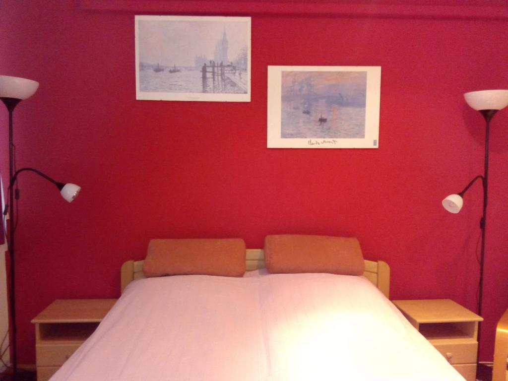 Een bed of bedden in een kamer bij Centrum Apartment2