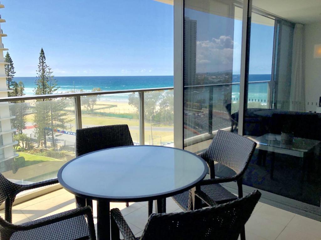 A balcony or terrace at Morden Beachfront Apt by Hostrelax GCRDU0E