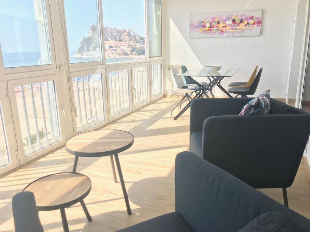 A seating area at OceanTerrace Apartment Esmeralda