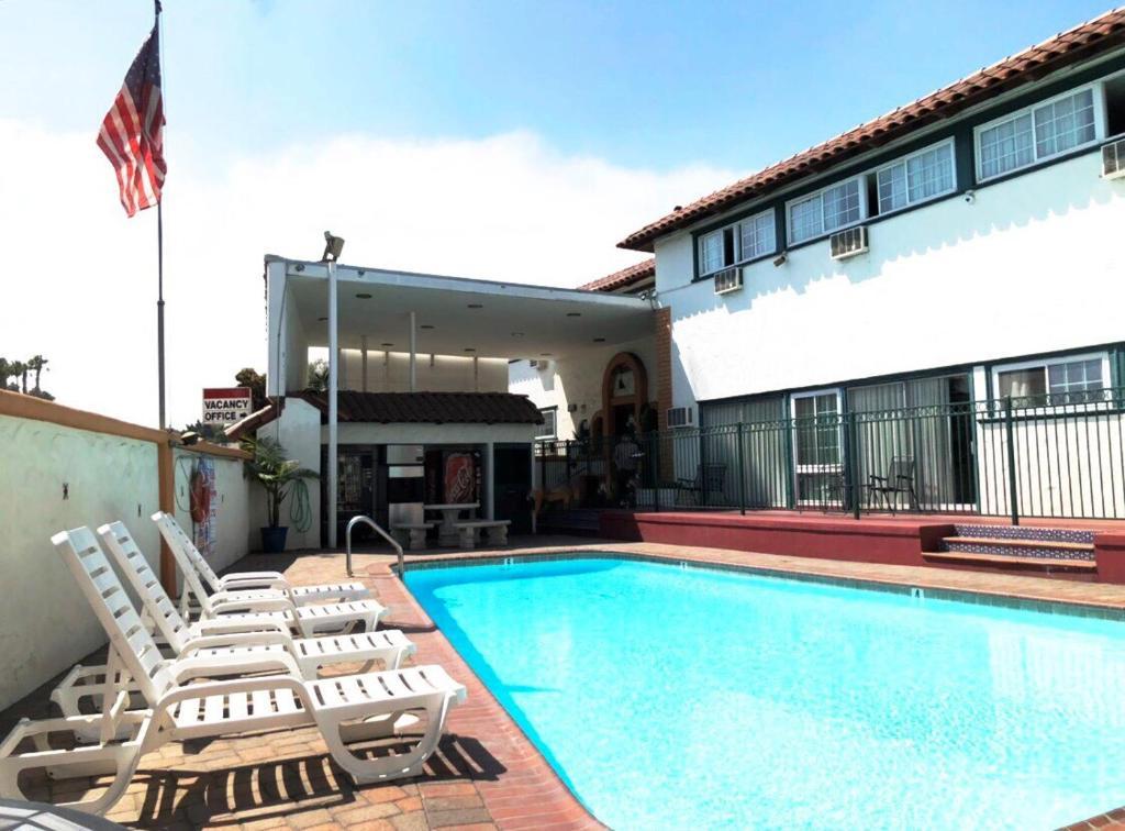 Value Inn Loma Lodge, San Diego, CA - Booking.com