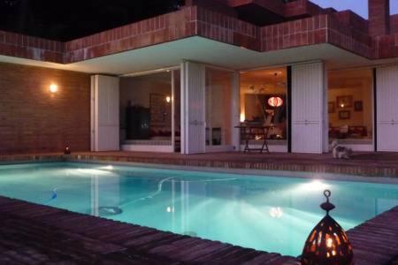 Villa 400m2 swimming pool. Architect Coderch. 35min BCN ...