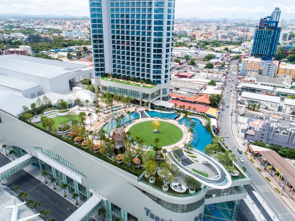 A bird's-eye view of Grande Centre Point Pattaya
