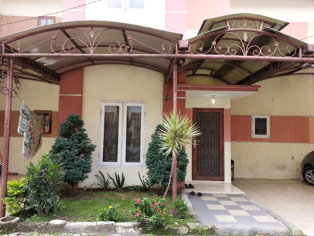 Villa Mutiara Asri 28A Berastagi Indonesia Booking