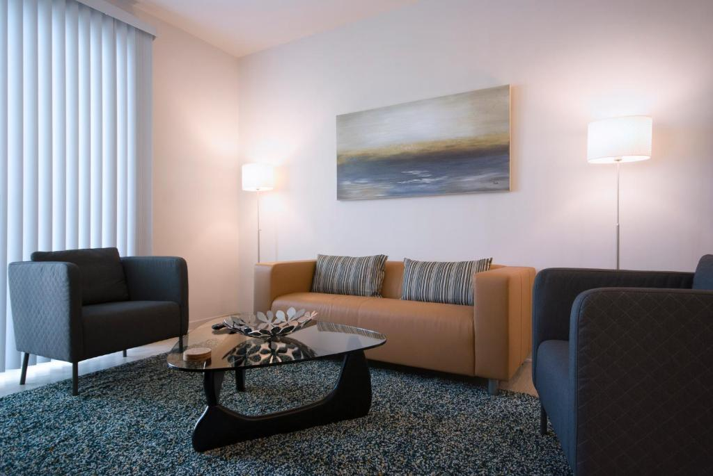 A seating area at BCA Furnished Apartments