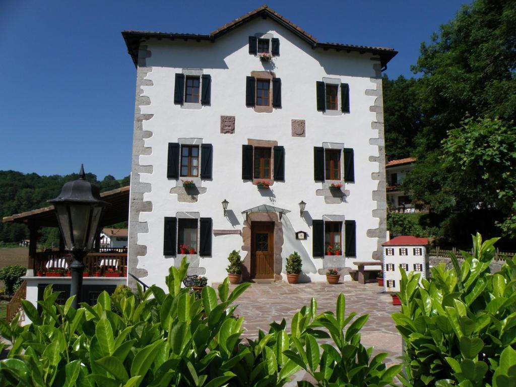 Hotel Rural Irigoienea, Urdax – Precios actualizados 2019