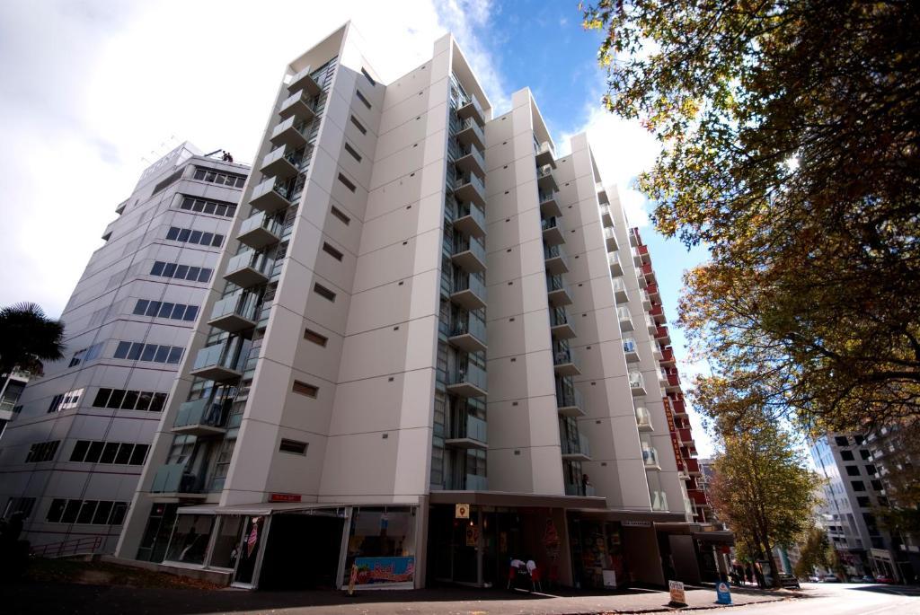 Waldorf Tetra Apartments