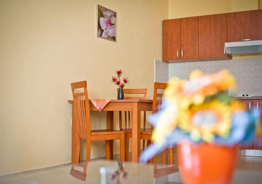Ibolja Apartments