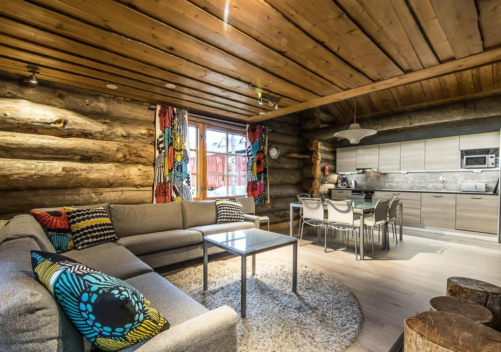 Svetainės erdvė apgyvendinimo įstaigoje Levikaira Apartments - Log Cabins