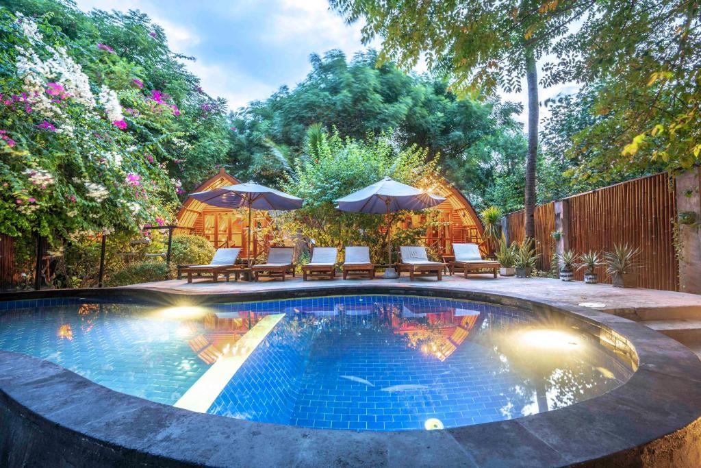 Piscine de l'établissement Manta Dive Gili Air Resort ou située à proximité