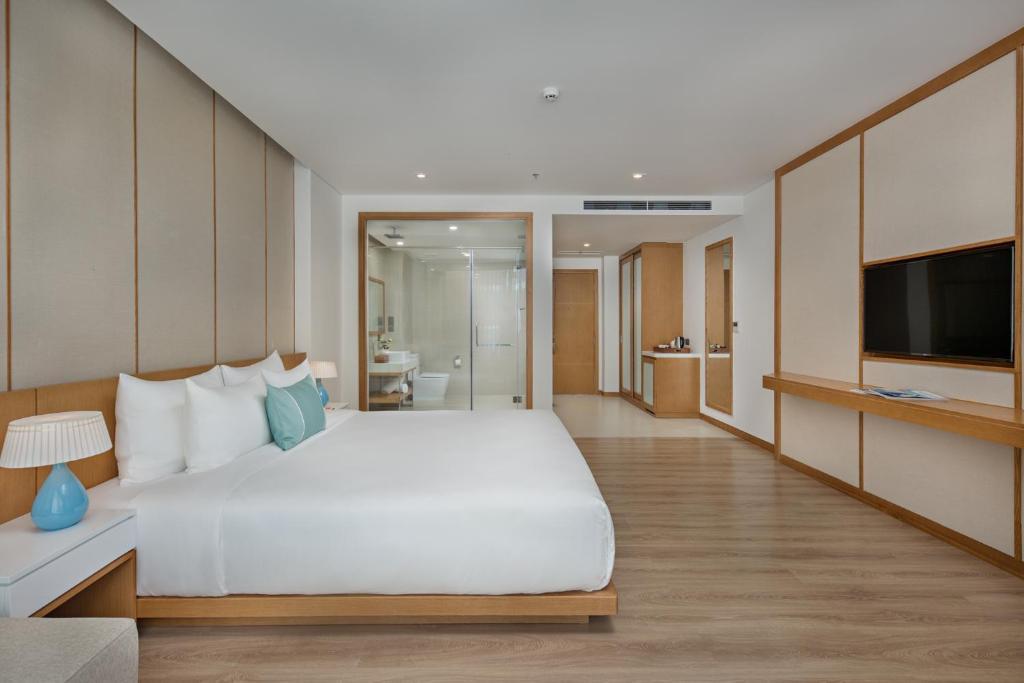 Suite Premier Giường Đôi Nhìn Ra Cảnh Thành Phố