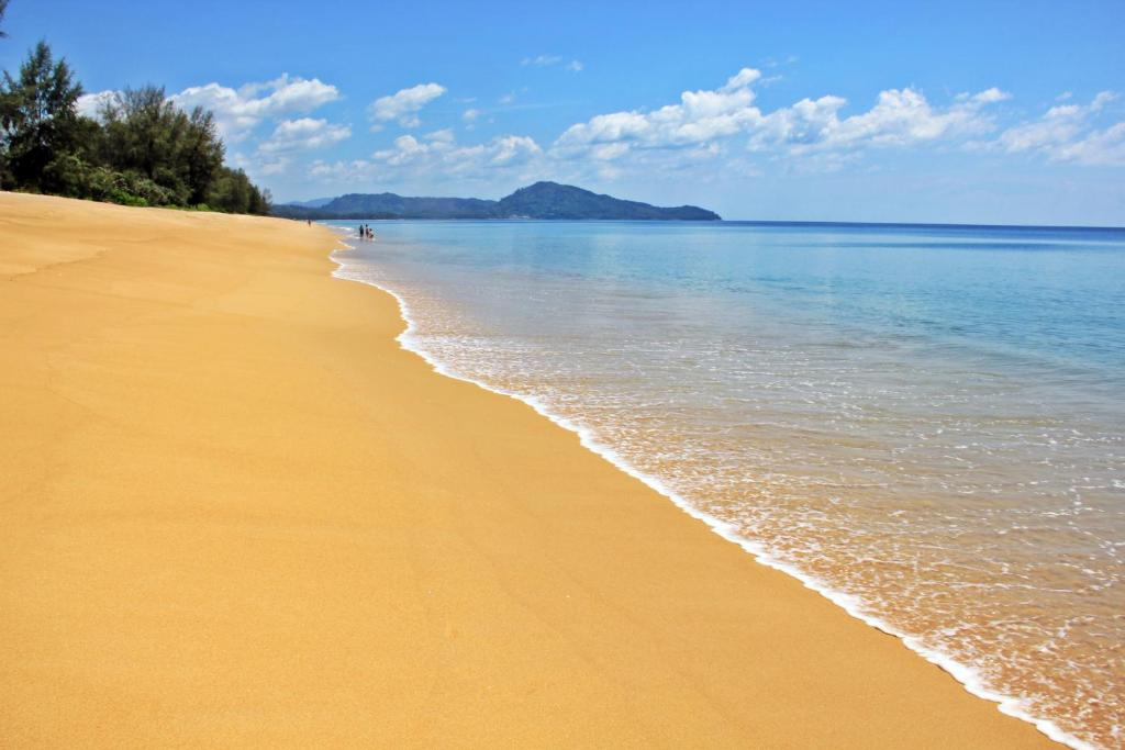 En strand i nærheden af pensionatet