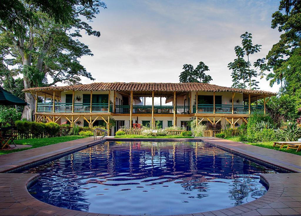 Hotel Hacienda Bambusa (Colombia El Caimo) - Booking.com