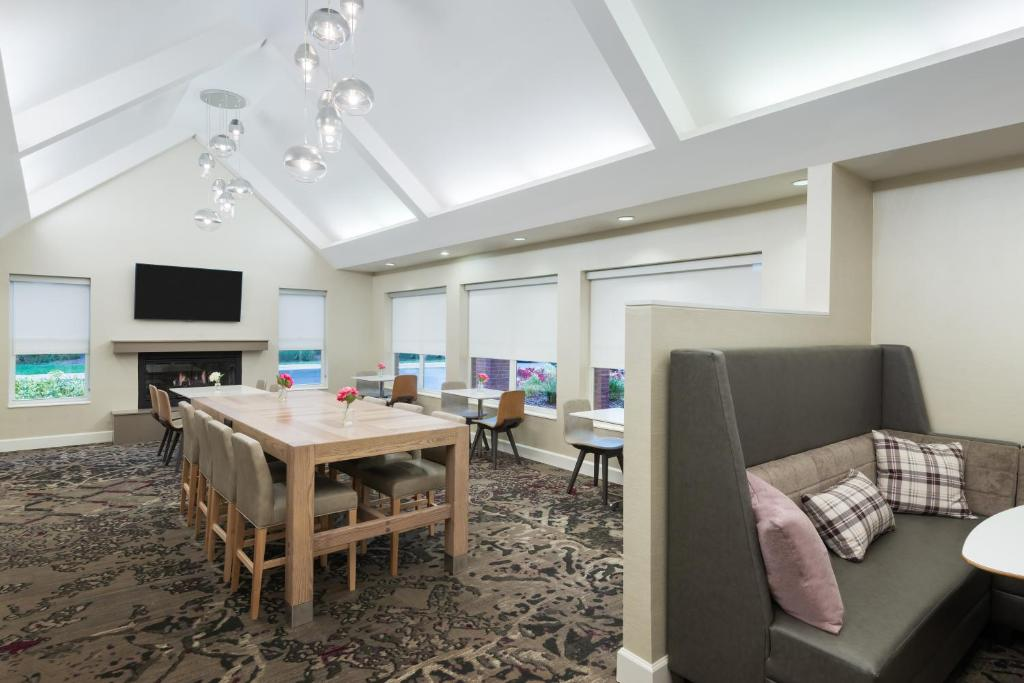 Stupendous Residence Inn Tampa At Usf Medical Fl Booking Com Theyellowbook Wood Chair Design Ideas Theyellowbookinfo