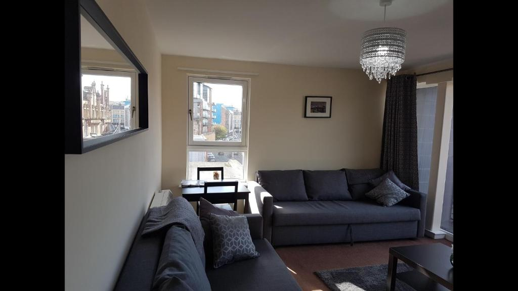 A seating area at Stunning 2 bed Apartment in Merchant City