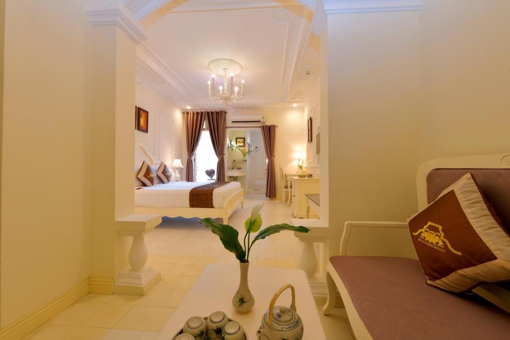 Phòng Dạng Suite Palace Có Ban Công