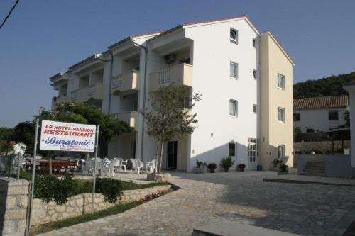 Zgrada u kojoj se nalazi aparthotel