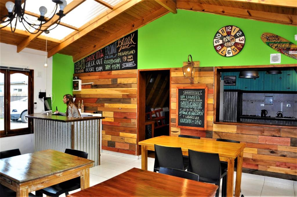 The lounge or bar area at Patagonia Republic Hostel