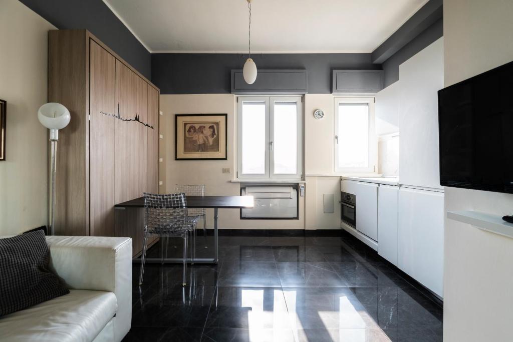 Apartment Senato Studio By Yoof Milan Italy Booking Com