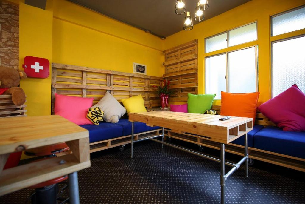 A bed or beds in a room at Hive Bed and Backpacker