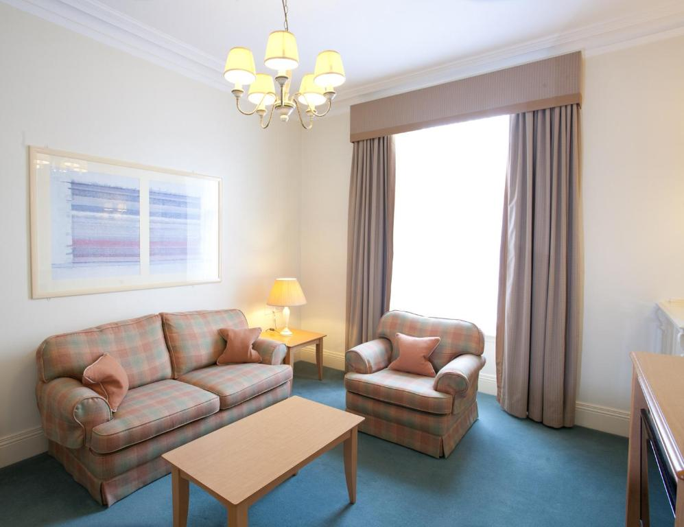 A seating area at Skene House Hotels - Holburn