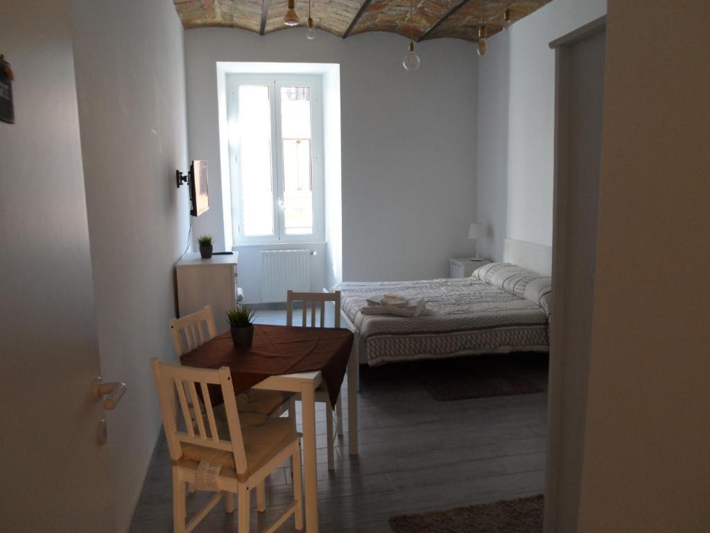 Vacation Home Maison du Saint Laurent, Rome, Italy - Booking.com