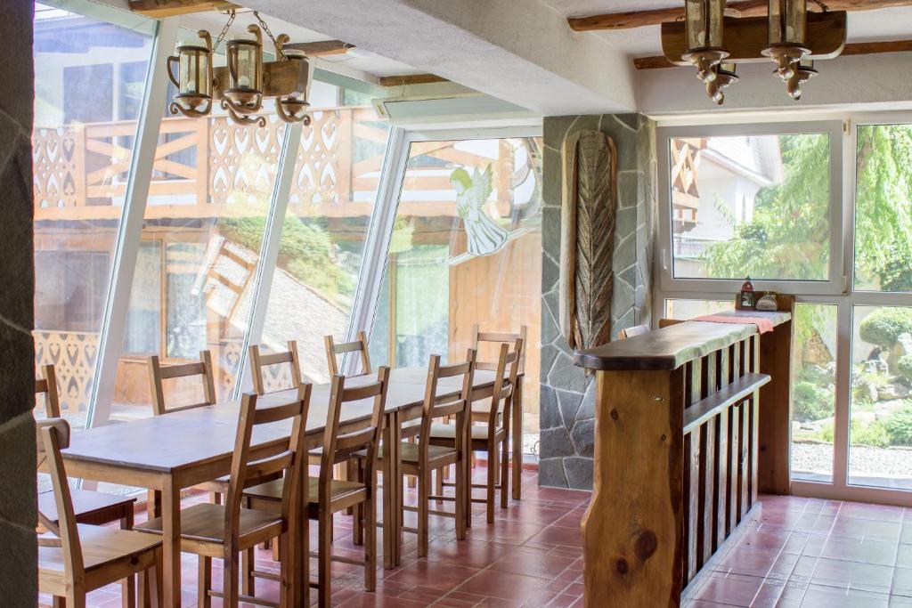 Ресторан / где поесть в Отель Рай-Ski-Домик
