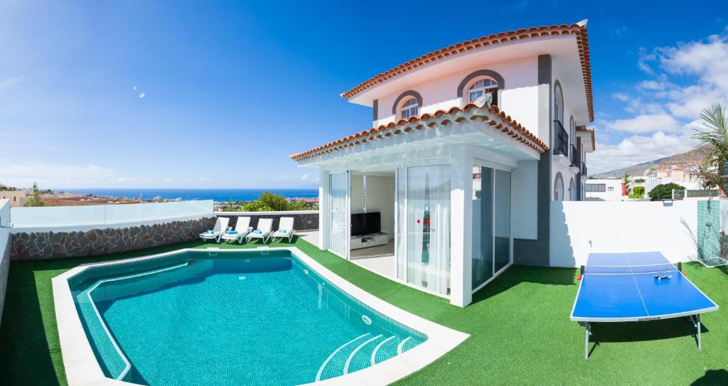 Luxury Villa Ocean View (España Adeje) - Booking.com