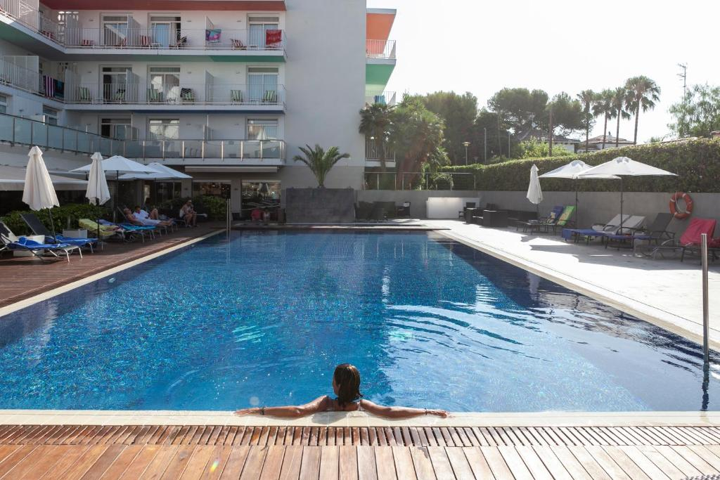 Hotel Ibersol Antemare -Adults Only- (España Sitges ...